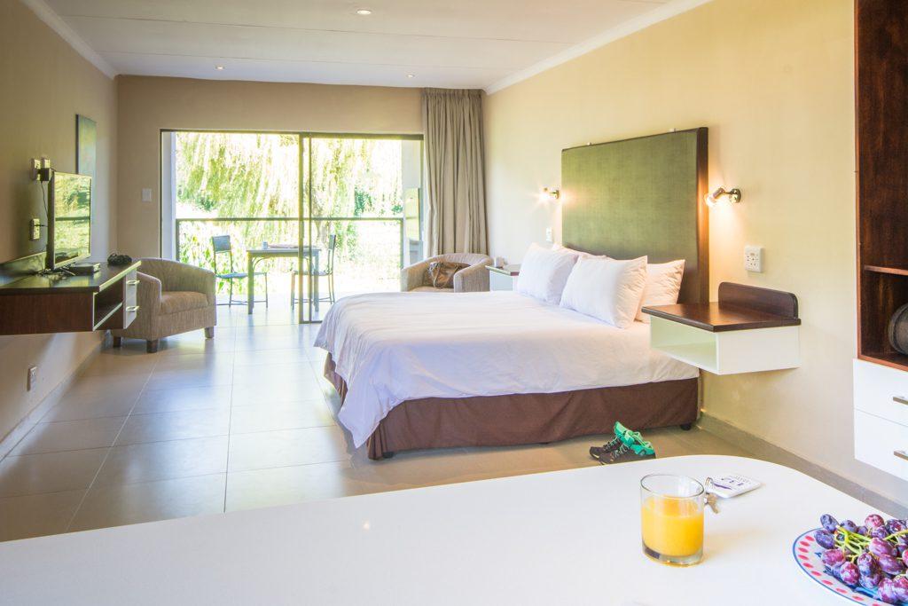 affordable accommodation near johannesburg Dragon Peaks Champagne Valley - Melanie van Zyl