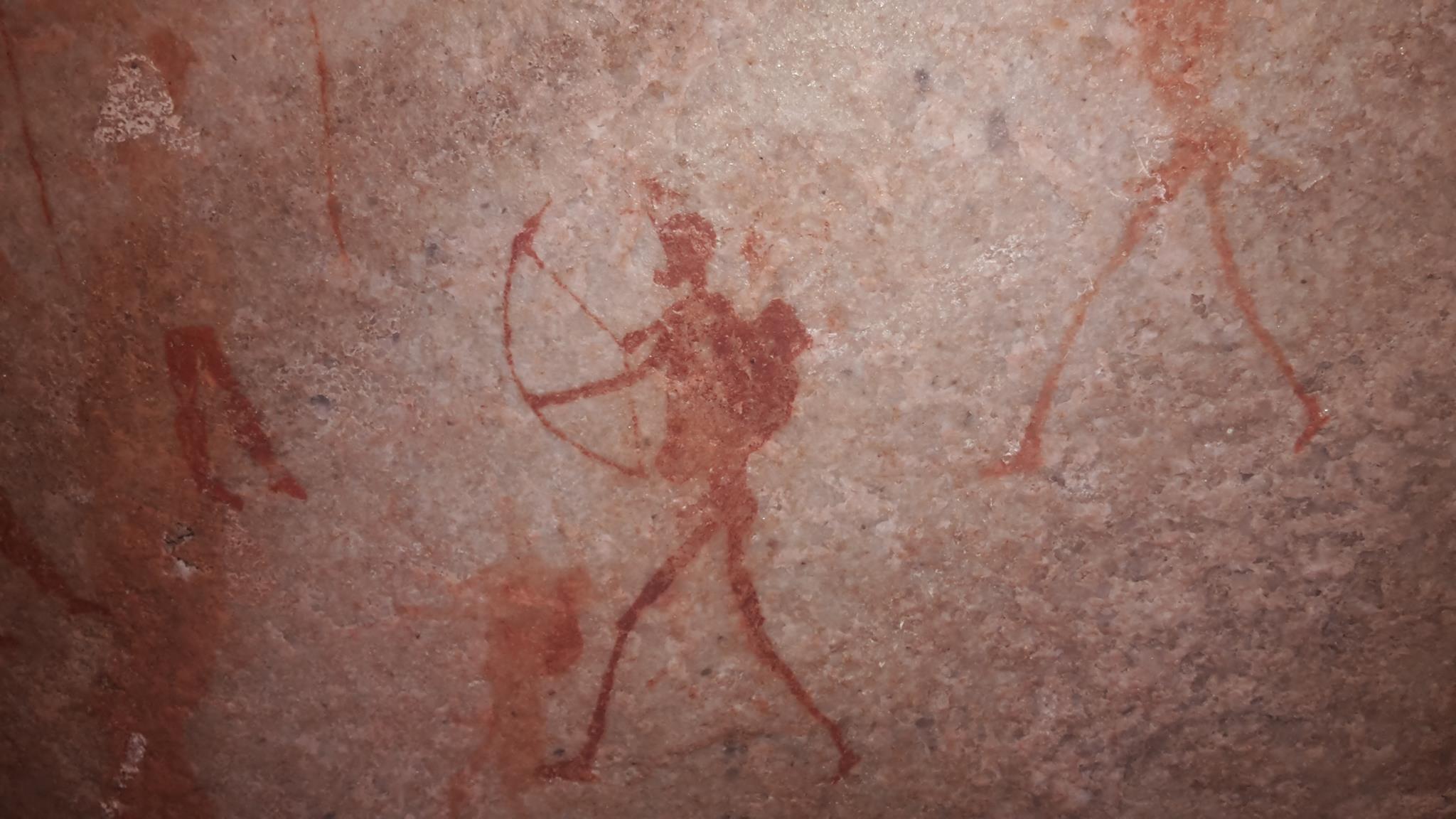 Hike to see San Rock Art at Ukhahlamba Drakensberg Park